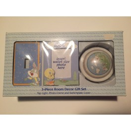 Baby Looney Tunes 3-Piece Room Decor Gift Set